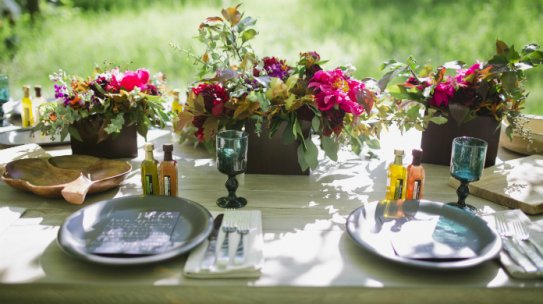 How to Accessorize for a Summer Party