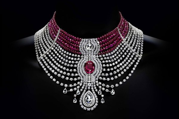 designer cartier 9qrp  A couture choker necklace, the Reine Makeda's design was crafted around its  stunning center stone: a 15 carat oval-shaped ruby from Mozambique