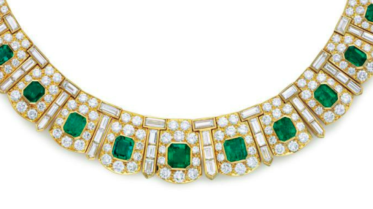 Holiday Highlights: 5 Gifts by Van Cleef & Arpels She'll Love